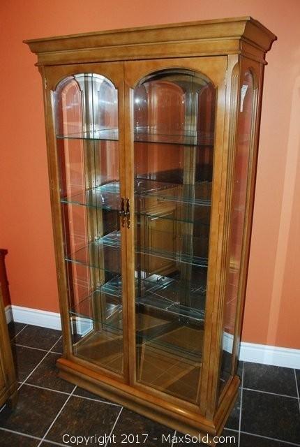 Display Cabinet C