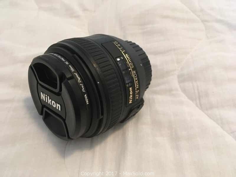 Nikon Nikkor Zoom Lens