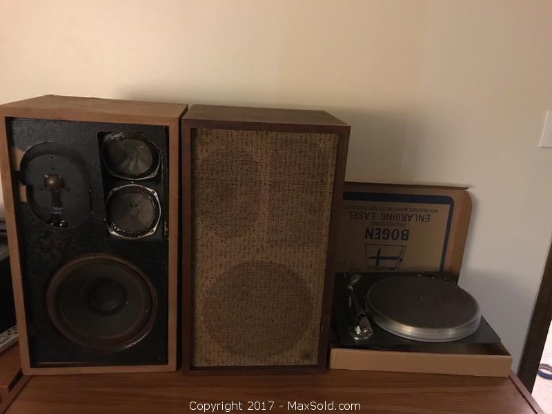 Harman Kardon, A&R, stereo components w/turntable pick-up